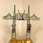 Fredder Wanoth, Italia, Holz, bemalt, Karton, 79 x 76 x 32 cm
